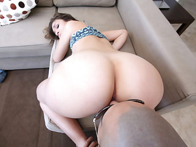 Puerto Rican Babe Gets Pounded
